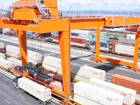 rail mounted quay gantry crane design